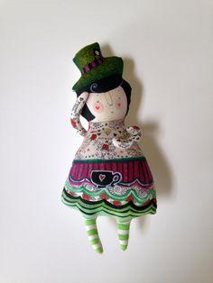Alice in Wonderland OOAKHandmade Art Doll por BlueRaspberryDesigns, $150.00