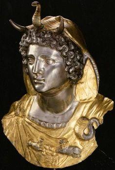 coolartefact:  A ROMAN PARCEL GILT SILVER EMBLEMA OF CLEOPATRA SELENE II, CIRCA LATE 1ST CENTURY B.C.-EARLY 1ST CENTURY A.D Source: https://imgur.com/Zo0HMMI