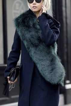 Loving this teal stole with a navy blue trench coat! This really does upgrade your look.