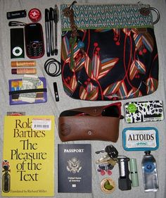 Sweet bag and random things in it. I love how many random things there are.