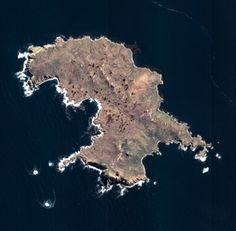 Le cap Horn est situé sur l'île Horn observée ici par les satellites Pléiades le 14 février 2014. Cette petite île chilienne de 12 km2 fait partie de l'archipel de la Terre de Feu. Crédits : CNES 2014, Distribution  Airbus DS.