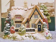 Lilliput-Lane-CHRISTMAS-LIGHTS-AT-THE-BELL-INN-Illuminated-Cottage