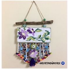 Hand made, felt desings Hanging Art, 5 Minute Crafts, Diy Art, Diy Room Decor, Wind Chimes, Easy Crafts, Dream Catcher, Life Hacks, Cross Stitch