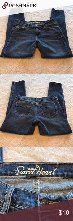 """Old Navy Sweetheart Jeans Old Navy. """"Sweetheart""""—now known as the curvy fit. Curvy skinny jeans. Five pockets. Button closure and zip fly. Size 2 short—inseam is 27"""". Old Navy Jeans Skinny"""