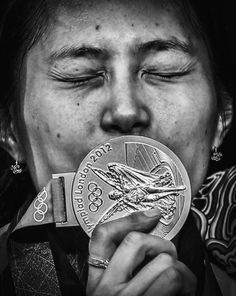 Años de entrenamiento, miles de batallas, victorias y cientos de competidores de esgrima preparados para la posibilidad de presentarse en la pista en los Juegos Olímpicos de Londres 2012 para luchar por el oro. Foto: Sergei Ilnitsky.