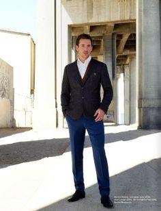 Barry Sloane Barry Sloane, Casual Suit, Facial Hair, Pretty Boys, Revenge, Mens Suits, Pants, Entertainment, Style