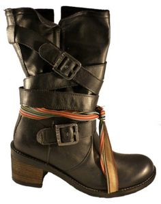 Boot with buckles and heel, Felmini shoes