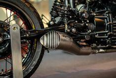 Custom exhaust Cx500 Cafe Racer, Cafe Racer Build, Cafe Racers, Scrambler, Motorcycle Exhaust, Motorcycle Style, Cafe Racer Motorcycle, Bmw Classic, Classic Bikes
