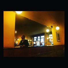 Au café. À Vienne. What else? Where else?  #wanderlust #cafe #vienna #wien #vienne #austria #autriche