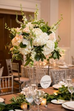 wedding centerpiece idea; photo: Lisa Boggs Photography.