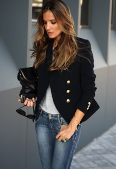EK: Black blazer paired with jeans is a great day to night outfit. The style of this blazer is timeless and very stylish. Need one for my wardrobe. - Total Street Style Looks And Fashion Outfit Ideas Blazer Jeans, Look Blazer, Jacket Jeans, Navy Jacket, Black Blazer With Jeans, Looks Chic, Looks Style, Day To Night Outfits, Look Fashion
