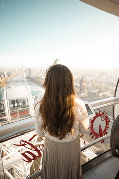 High above the sky in the London Eye - Where is your dream travel destination? Mine is Greece! So beautiful! London Eye, Travel Photos, Dreaming Of You, Travel Destinations, Greece, Fair Grounds, Sky, Eyes, Photography