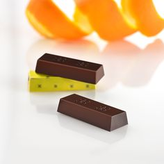 Did you know that our fragrant Plaisir flavor contains 70% cacao, dark chocolate and striking zesty orange pieces?