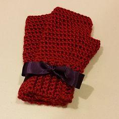 Simple Crocheted Fingerless Gloves by RachySellsStuff