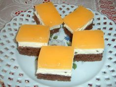 Prajitura cu branza si crema fanta My Favorite Food, Favorite Recipes, My Favorite Things, Cakes And More, Cheesecake, Deserts, Good Food, Pudding, Sweets