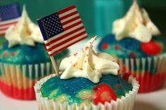 4th of July cupcakes  Divide the batter into three bowls  dye them red, white  blue.   Use Amy Sedaris cupcake recipe it never fails. It's really sweet  and delicious, which is why you don't have to use much icing at all!  http://www.amysedarisrocks.com/recipes.htm#amy