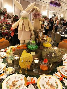 entertaining with style and ease Dining Area, Kitchen Dining, Party Themes, Party Ideas, Easter Parade, All Holidays, Easter Table, Tablescapes, Decorating Ideas
