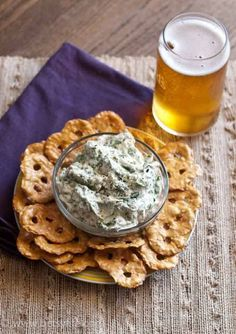 This Light Feta Spinach Dip recipe makes a healthy appetizer that doesn't taste light! Light Appetizers, Appetizer Dips, Healthy Appetizers, Appetizer Recipes, Healthy Snacks, Healthy Eats, Cheesy Recipes, Dip Recipes, Easy Healthy Recipes