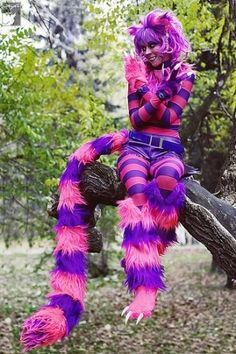 Charming Cheshire Cat Cosplay Chesire Cat by jeanine. Costume Halloween, Fall Halloween, Halloween Makeup, Halloween Party, Women Halloween, Adult Halloween, Halloween Costumes Women Scary, Halloween College, Holiday Costumes