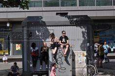 Berlin-Karneval der Kulturen Zuschauer am Strassenrand