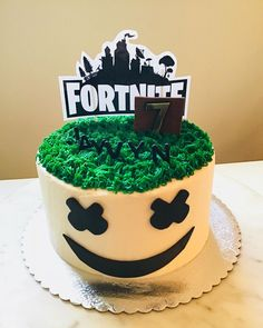 21 Amazing Fortnite Cakes and Cupcakes for an Epic Birthday Bash! 21 Amazing Fortnite Cakes and Cupcakes for an Epic Birthday Bash! 10 Birthday Cake, Birthday Cake Decorating, Birthday Bash, Birthday Parties, 16th Birthday Cake For Boys, Amazing Birthday Cakes, Cupcakes Decorating, Women Birthday, Birthday Ideas