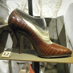 #ShareIG Brown crocodile high heel pump, worn by Marilyn Monroe, 1958-59  Ferragamo Follows in the Footsteps of Culture: http://goo.gl/y8qLUP #museo #Ferragamo #luxury #shoes #firenze #florence #italy #maisondexceptions #savoirfaire #culture #marylinmonroe