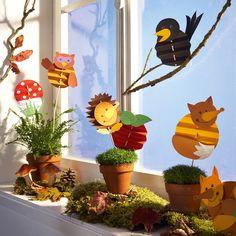 Fensterbilder basteln mit kindern eulen Make window pictures with children owls Hobbies For Kids, Diy For Kids, Crafts For Kids, Autumn Crafts, Autumn Art, Autumn Ideas, Anniversary Crafts, Fall Projects, Autumn Activities