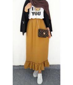 Untitled 40 Ideas Skirt Pattern Maxi Beautiful - Fun and Colorful hijab outfits Modern Hijab Fashion, Street Hijab Fashion, Hijab Fashion Inspiration, Muslim Fashion, Modest Fashion, Skirt Fashion, Fashion Outfits, Hijab Style Dress, Casual Hijab Outfit
