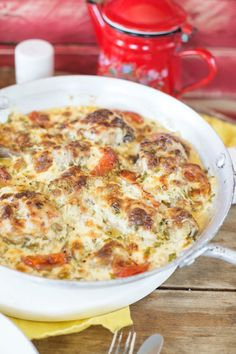 Fokhagymás mascarponés csirkecombok | Street Kitchen Cheeseburger Chowder, Quiche, Ham, Macaroni And Cheese, Chicken Recipes, Food And Drink, Soup, Gluten, Baking