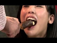 [SO SEXY] Japanese Game Show - Sexy Banana Eating Contest - YouTube