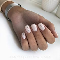 Neutral shiny neutral nails with silver vertical stripes are a modern and . design Shiny Neutral Nails With Silver Vertical Stripes Matte Nails, Pink Nails, My Nails, Acrylic Nails, Shellac Nails, Classy Nails, Stylish Nails, Trendy Nails, Minimalist Nails