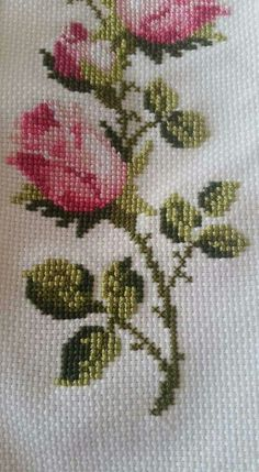 Discover thousands of images about Roses cross stitch. Cross Stitch Rose, Modern Cross Stitch, Cross Stitch Flowers, Hand Embroidery Dress, Embroidery Kits, Cross Stitch Embroidery, Funny Cross Stitch Patterns, Cross Stitch Designs, Crochet Fairy