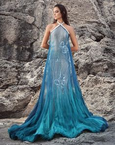 """HassIdriss Official Page στο Instagram: """"Look 14 #ASHES #HIlookbook #petrol #airbrush #ruffles #threading"""" Pretty Dresses, Blue Dresses, Prom Dresses, Formal Dresses, Mode Outfits, Dress Outfits, Fashion Outfits, Moda Medieval, Flannel Fashion"""