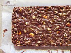 Turrón de chocolate y avellanas.