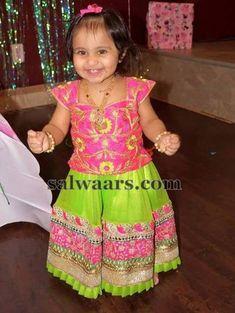 Baby in Rich Floral Blouse - Indian Dresses Frocks For Girls, Kids Frocks, Dresses Kids Girl, Kids Outfits, Baby Lehenga, Kids Lehenga, Baby Girl Fashion, Toddler Fashion, Kids Fashion