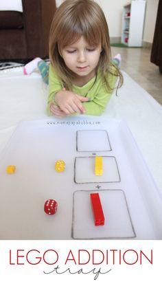 Simple-LEGO-Addition-Tray-Mama.Papa_.Bubba_.                                                                                                                                                                                 Más