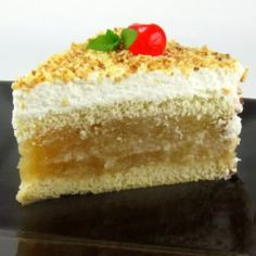 One Perfect Bite: Apfel Sahne Torte - Apple Cream Cake - Foodie German Desserts, Apple Desserts, Apple Recipes, Just Desserts, Sweet Recipes, Cake Recipes, Dessert Recipes, German Baking, Austrian Recipes