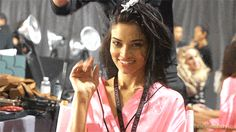22 Behind-The-Scenes Photos From The Victoria's Secret Fashion Show