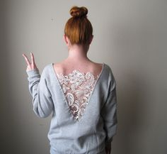 diy ropa DIY low-back lace sweatshirt Diy Sweatshirt, Diy Pullover, Diy Shirt, Diy Tank, Sewing Hacks, Sewing Projects, Sewing Tips, Diy Projects, Diy Clothes Refashion