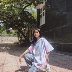 Save = follow kan neh :) Girl Photography Poses, Chi Chi, Ulzzang Girl, Aesthetic Clothes, Cool Girl, Short Hair Styles, Cover Up, Saree, Street Style