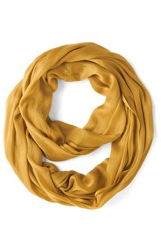 A fall staple - infinity scarves http://rstyle.me/n/pf2zenyg6