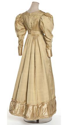 Old Rags - Dress, ca 1822 France, Les Arts Décoratifs