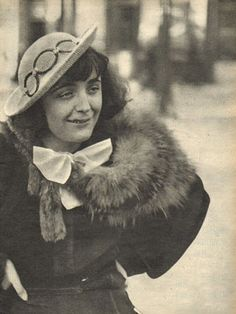 Edith Piaf, Paris 1936