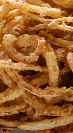 Amazing low carb air fried onion rings and get cooking like a pro Crispy Onions, Fried Onions, Side Dish Recipes, Vegetable Recipes, Blooming Onion Recipes, Onion Strings, Acorn Squash Recipes, Appetizer Recipes, Appetizers