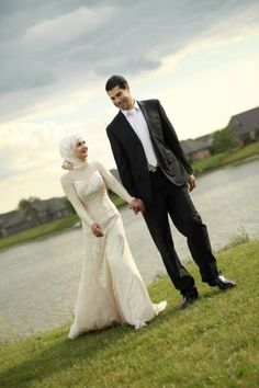Muslim couple Hijab Modesty Love Wedding #PerfectMuslimWedding.com