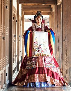 Traditional Korean Clothing - Hanbok : Bride hanbok at traditional Korean wedding Korean Traditional Dress, Traditional Wedding Dresses, Traditional Fashion, Traditional Outfits, Korean Hanbok, Korean Dress, Korean Outfits, Korean Clothes, Korean Fashion Work