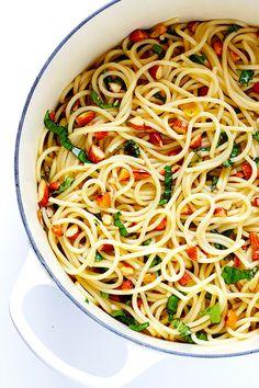 Espagueti con limón y albahaca | 30 Cosas deliciosas que deberías comer en septiembre