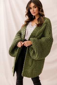 Shop the Vermont Oversized Garter Knit Cardigan Olive exclusively at Selfie Leslie! Knit Cardigan Pattern, Oversized Knit Cardigan, Sweater Knitting Patterns, Crochet Cardigan, Knitting Designs, Crochet Pattern, Cardigan Outfits, Chunky Cardigan Outfit, Sweater Cardigan