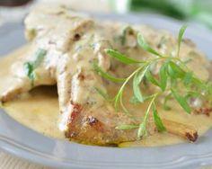Lapin à la crème fraîche et estragon en cocotte : http://www.fourchette-et-bikini.fr/recettes/recettes-minceur/lapin-la-crme-frache-et-estragon-en-cocotte.html