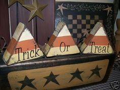 Primitive halloween block sign~trick ~treat candy corn~ - 2019 Home Ideas Fall Wood Crafts, Halloween Wood Crafts, Halloween Projects, Halloween Diy, Holiday Crafts, Halloween Decorations, Fall Decorations, Halloween Stuff, Halloween Table